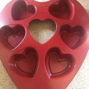 Other - 6 heart shaped muffin tin